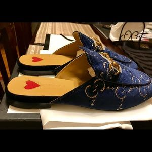 Gucci mules navy blue with gold GG logo size 39